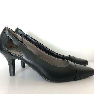Life stride black heels size 9